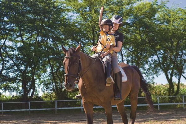 乗馬クラブパドゥドゥ (乗馬体験)
